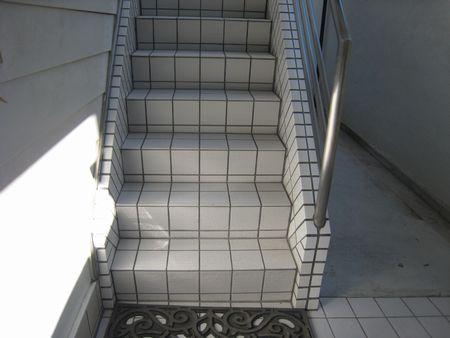 タイル 階段仕上.jpg