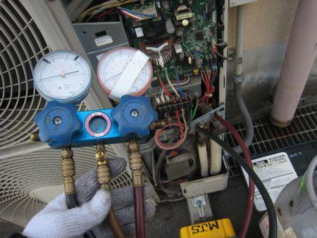 エアコン冷媒回収